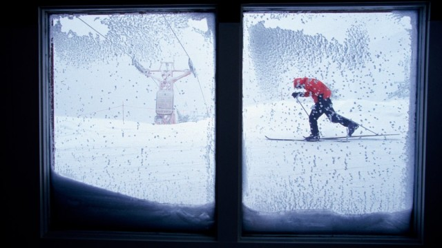cold-wind-skier-window_h